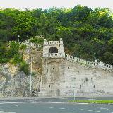 Лестница на вершину к цитадели и статуе свободы