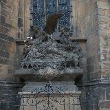 Одна из скульптур собора святого Вита
