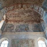 Внутри храма требуется реставрация