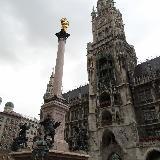 Стелла на площади Мариенплац в Мюнхене