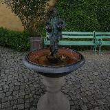 Статуэтка во дворе замка Хоэншвангау