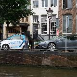 Здесь уже во всю пользуются электромобилями