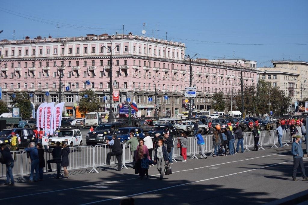 Площадь Революции. Шоу внедорожников