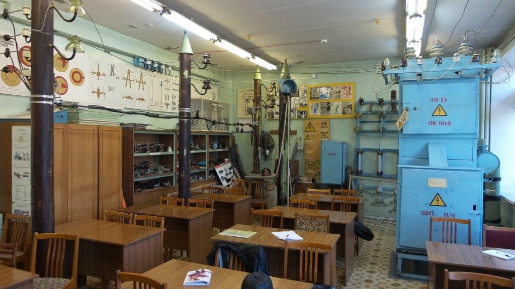 Обстановка в лаборатории учебного центра МРСК-Урала в Челябинске