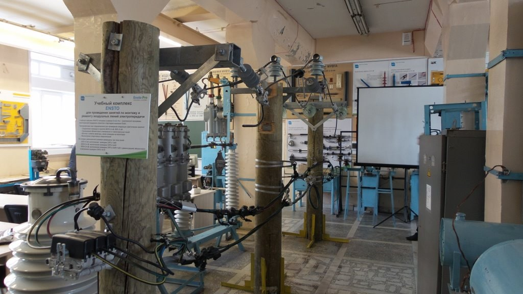 Обстановка в лабораториях учебного центра МРСК-Урала
